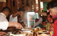 चेपाङ बालबालिकाले गरे तास बजारको उद्घाटन : केपी किरण शर्मा सम्मानित
